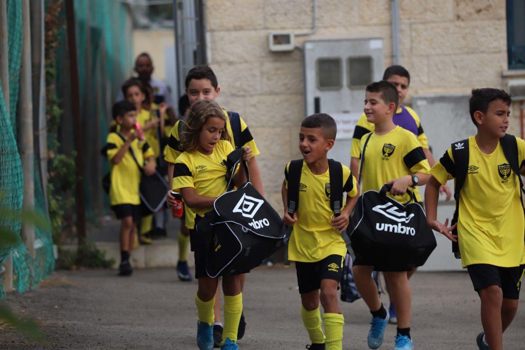 ילדי השלוחות מגיעים לטורניר סוכות
