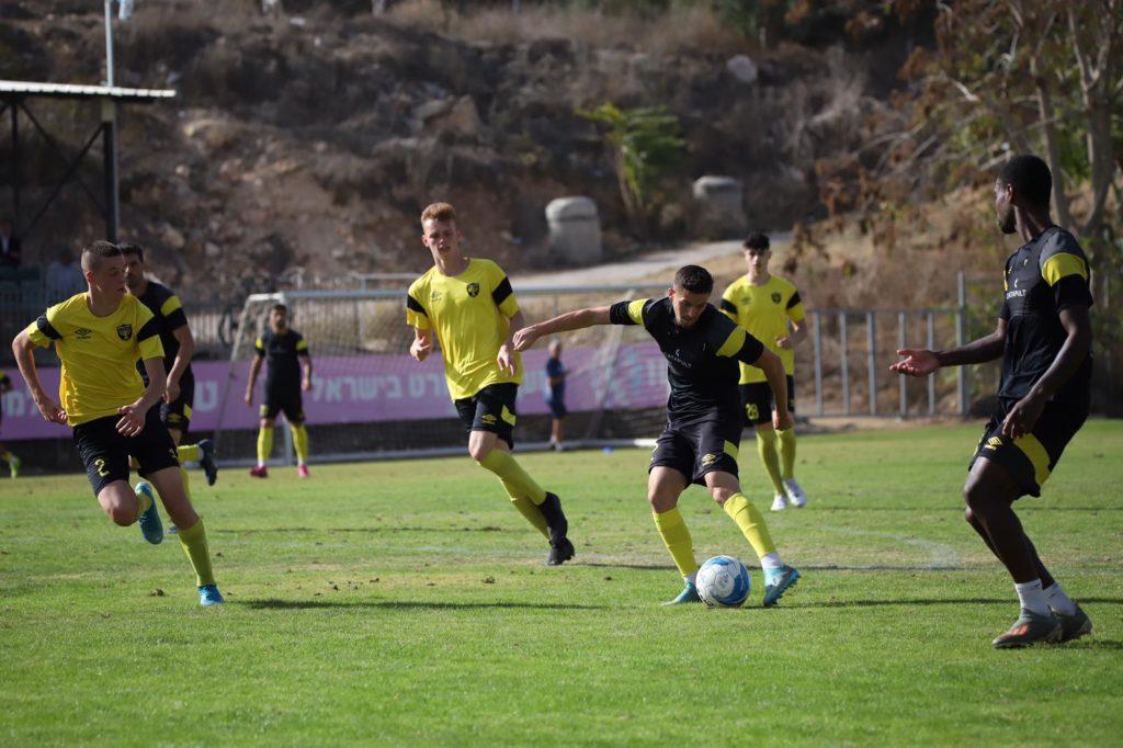 לירן רוטמן במשחק אימון מול הנוער